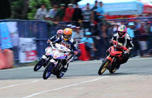 Tai nạn khốc liệt ở giải đua xe Việt Nam - 1