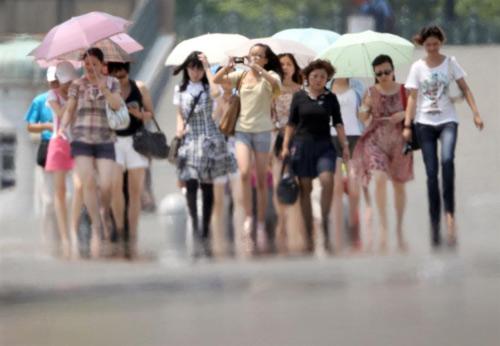 Nhật: Nắng nóng kỷ lục, 9 người thiệt mạng - 1
