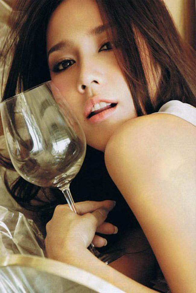 Bộ phim truyền hình đã nâng tên tuổi của Aum Pachrapa là So Sanae Ha vào năm 2003. Trong phim, cô đóng vai chính Pralee và đã giành giải Nữ diễn viên chính xuất sắc nhất năm 2003.