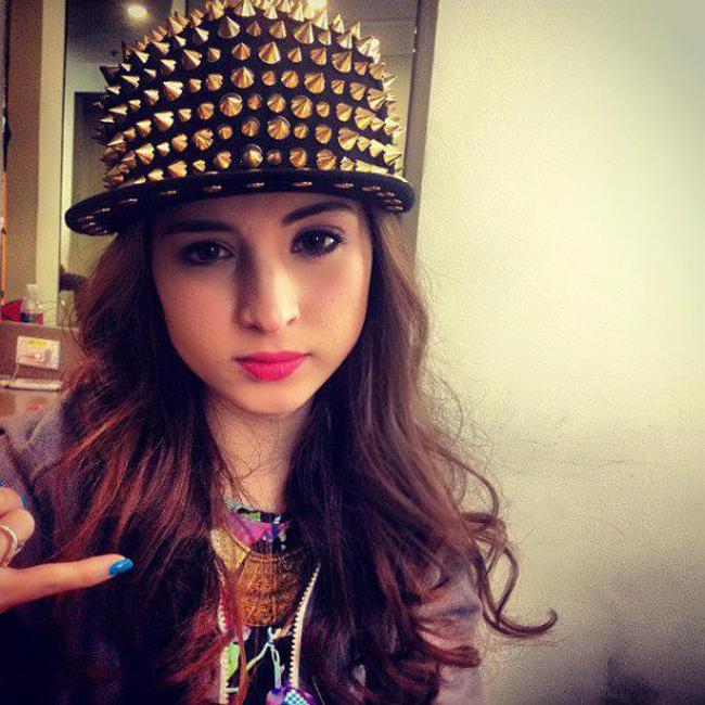 Coleen Garcia có tên đầy đủ là Danielle Claudine Ortega Garcia.