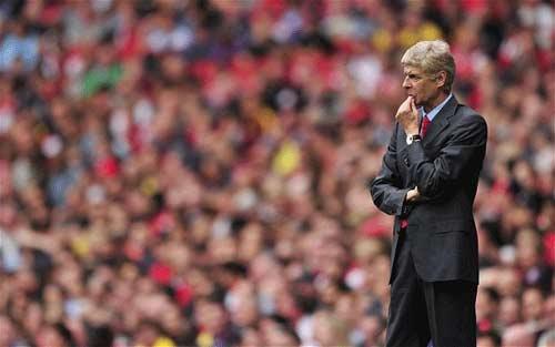 Arsenal cuống cuồng lao vào TTCN - 1