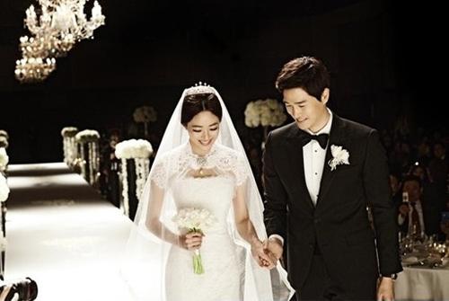 Sao Hàn mặc váy cưới xấu nhất - 1