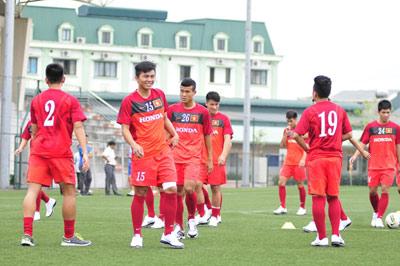 U23 VN tập sớm với 9 cầu thủ hạng Nhất - 1