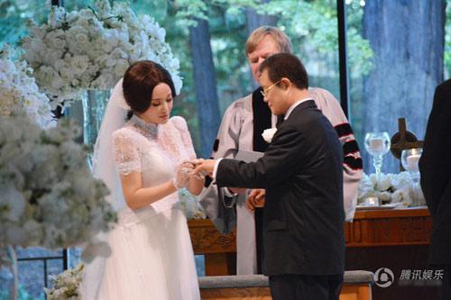 Lưu Hiểu Khánh cưới doanh nhân 71 tuổi - 1