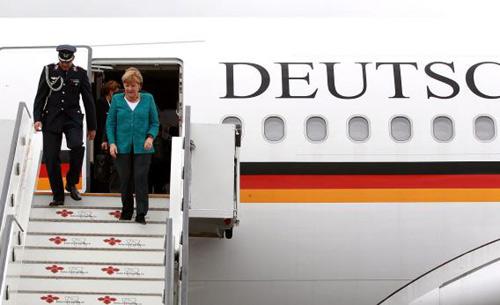 """Đức: Khỏa thân """"quậy"""" trên máy bay Thủ tướng - 1"""