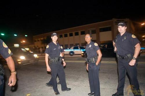 Cảnh sát nhiều nước cũng sợ bị chụp ảnh - 1