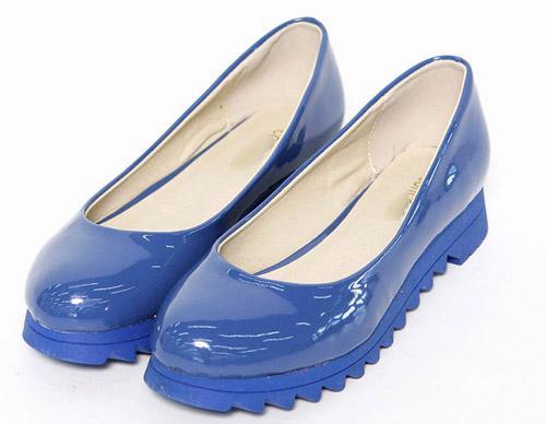 """Kiểu giày """"chuyên trị"""" trời mưa - 18"""