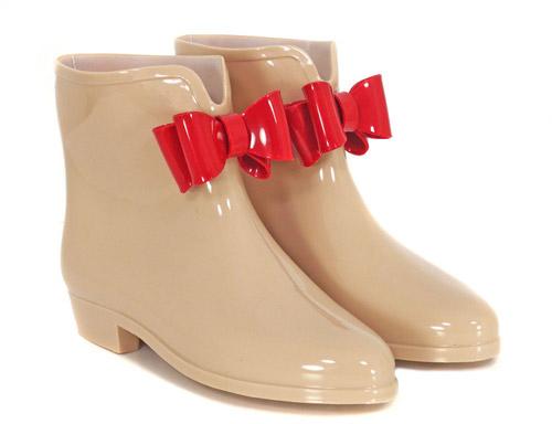 """Kiểu giày """"chuyên trị"""" trời mưa - 14"""
