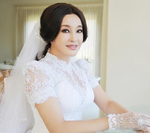 Xem cận mặt cô dâu U60 Lưu Hiểu Khánh - 1