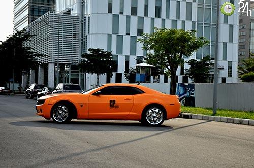 Xe cơ bắp Camaro uy lực trên phố SG - 8