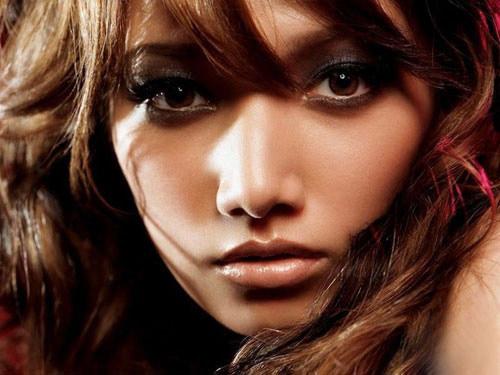 4 điều cần nhớ khi make up da ngăm đen - 2