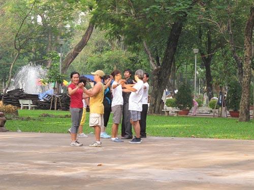 Khiêu vũ công viên: Ích lợi từ những điệu nhảy - 1