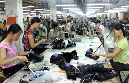 Sản lượng sản xuất của VN giảm liên tiếp - 1