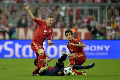 Hàng tiền vệ Bayern: Bỗng dưng mỏng manh - 1
