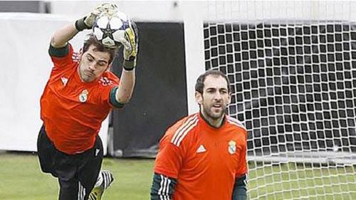 """Carletto """"chiều"""" Casillas vì Decima? - 1"""