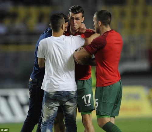 Fan xứ Wales phát cuồng vì Bale - 1