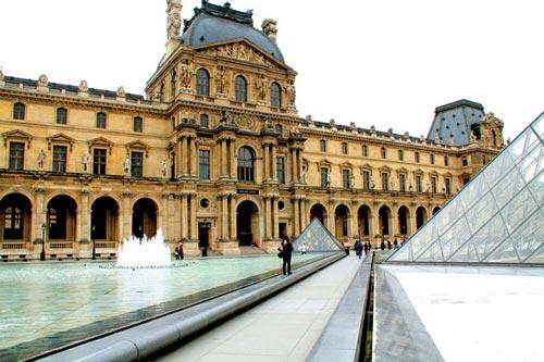 Bảo tàng Louvre: Sáp nhập cổ điển và hiện đại - 1