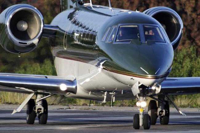 Nam diễn viên gạo cội Harrison Ford, sao phim Indiana Jones, sở hữu vài chiếc phi cơ và máy bay.