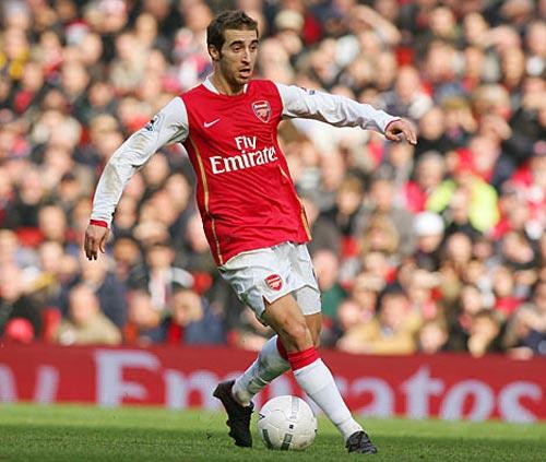 Tiền vệ Arsenal: Bài toán chưa tối ưu - 1