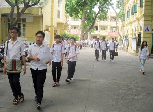 Bộ GD-ĐT: Không bắt buộc HS may đồng phục - 1