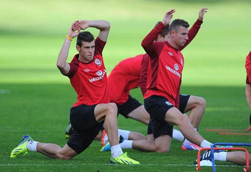 Bale không nên ảo tưởng về bản thân - 1