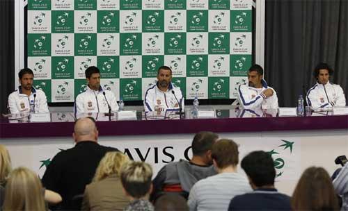 HOT: Nole giúp Serbia vào CK Davis Cup - 1