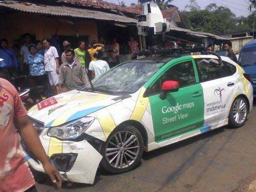 Xe Google Street View gây tại nạn liên hoàn tại Indonesia - 1