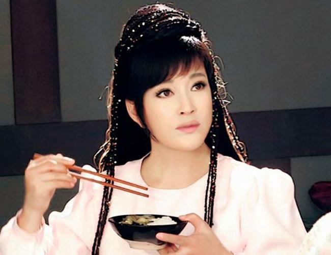 Lưu Hiểu Khánh thuở 30