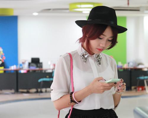 Miss Teen Thu Trang giản dị vẫn đẹp rạng ngời - 1