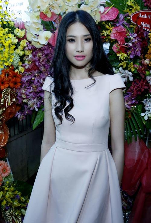 Á hậu Minh Thư lên chức bà chủ - 1