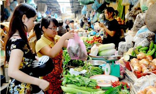 Bấm bụng mua rau củ đắt ngang thịt - 1