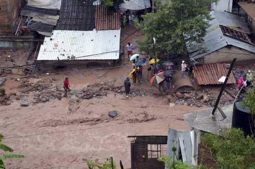 Mexico: 80 người chết, làng 400 dân bị vùi lấp - 1