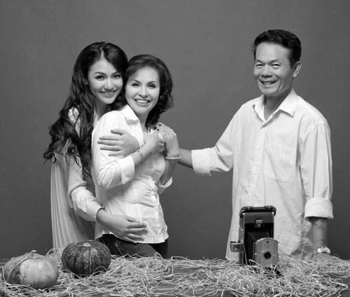 Hồng Quế khoe ảnh gia đình đẹp lung linh - 1