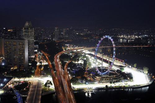 F1 Singapore GP: Vettel và phần còn lại - 1