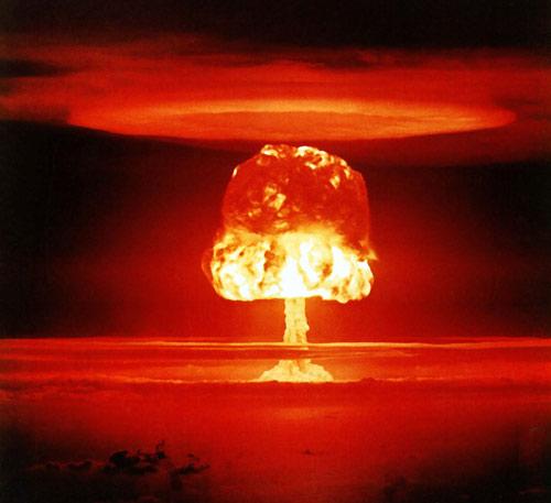 Bom hạt nhân suýt giết hàng triệu dân Mỹ - 1