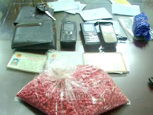 Phá nhiều vụ mua bán ma túy sang Trung Quốc - 1