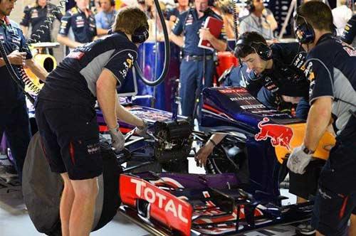 F1- Chạy thử Singapore GP: Red Bull chứng tỏ sức mạnh tuyệt đối - 1