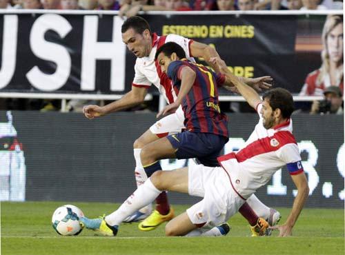 Ngày Pedro lấn át cả Messi - 1