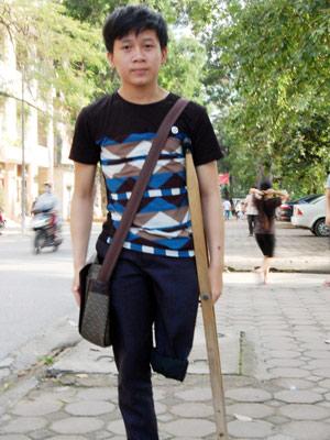 Chàng trai một chân thi đỗ 2 trường đại học - 1