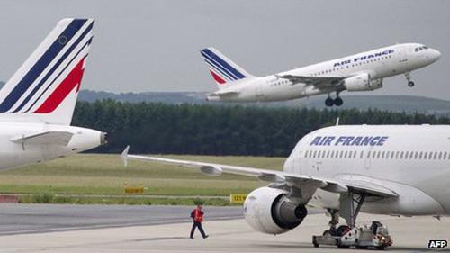 Pháp: Bắt 6 nghi phạm trộm 50 kg vàng - 1