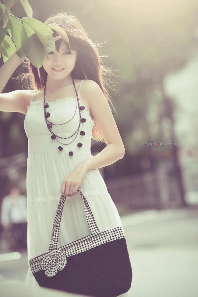 Nguyễn Thị Lượm sinh năm 1992, có nghệ danh là Lilly Luta.