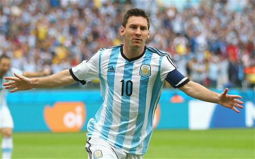 """Nesta: """"Ronaldo không thể bằng Messi"""" - 1"""