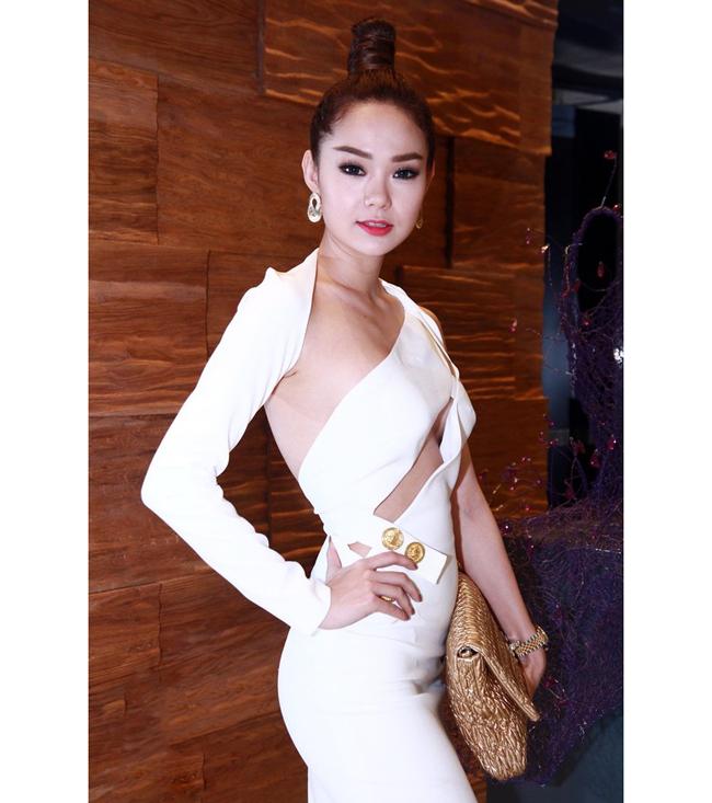 Minh Hng L Nm, Minh Hng V Nhng Ln L Hng Kinh In 145133-2495