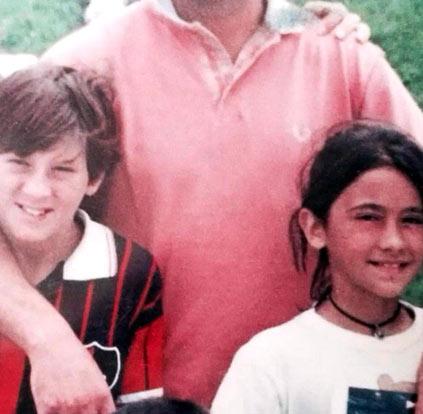 """Messi nhận được """"quà đặc biệt"""" từ bạn gái - 1"""