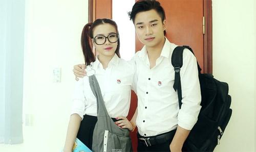 Hot girl Linh Miu sexy tới giảng đường - 1