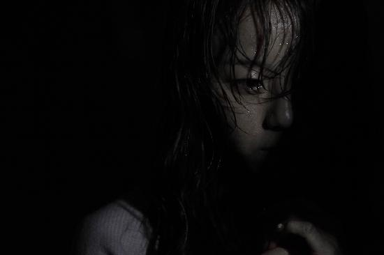 """""""Toát mồ hôi"""" với phim kinh dị Đường hầm 3D - 9"""