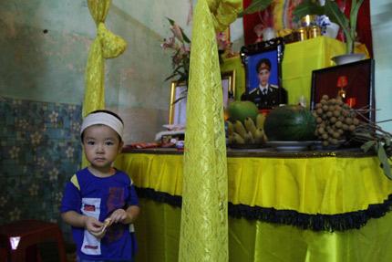 Trực thăng Mi-171 rơi: Lặng người trước câu nói của bé 3 tuổi - 1