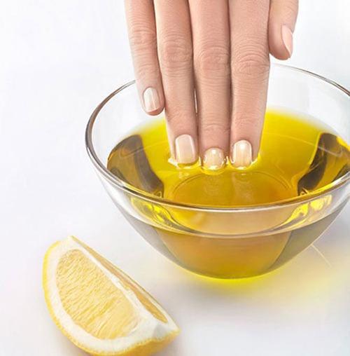 7 cách chăm sóc móng tay dễ gãy - 1