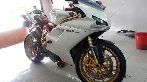 Ducati 848 EVO mạ vàng 24K đầu tiên tại Việt Nam - 1