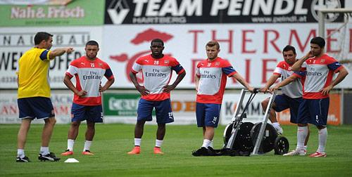 """Arsenal miệt mài """"luyện công"""" trước Emirates Cup 2014 - 1"""
